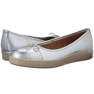 Clarks Artisan Cordella Alto Silver Leather Flat 9